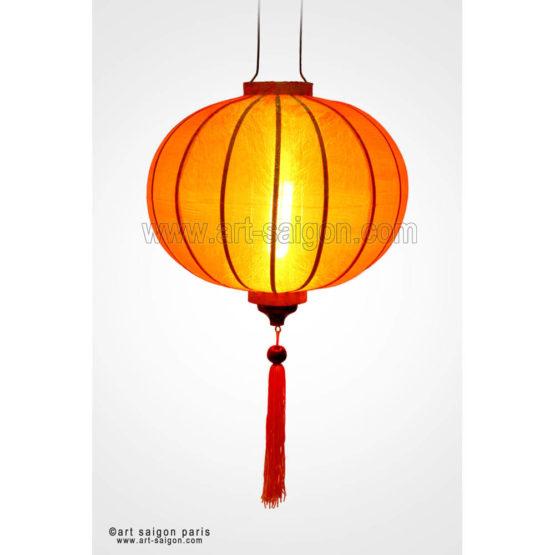 Lampion & Lanterne Asiatique en Soie, Bambou et Bois de couleur Orange de la ville Hoi An au Vietnam pour votre décoration. Article vendu par la Boutique Art-saigon.com