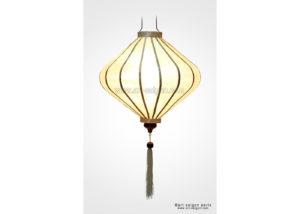 t20-blanc1-art-saigon-lampion-soie-1-wps-300x214 Comment sont fabriqués les lampions de Hoi An