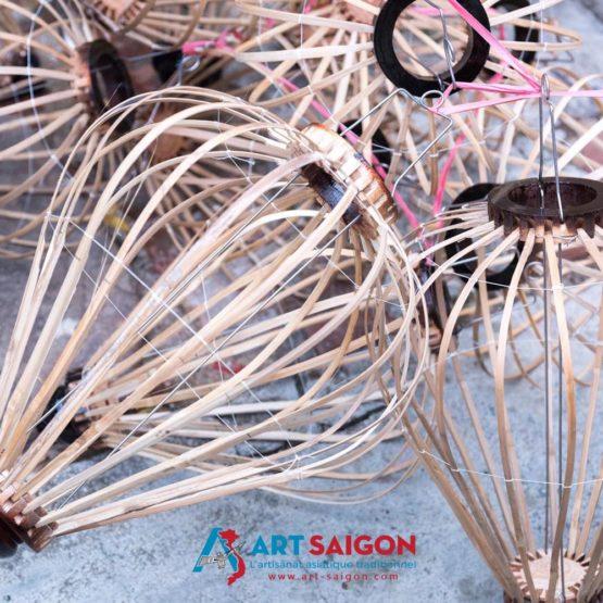 Atelier de fabrication des lampions en soie de la ville de Hoi An au Vietnam par Art Saigon
