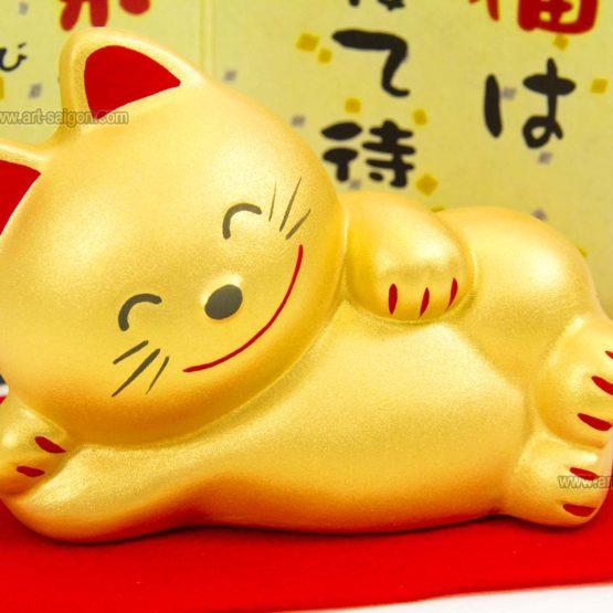Maneki Neko Doré en Argile - Chat Japonais Porte-bonheur par art-saigon.com