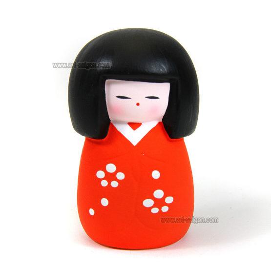 Kokeshi Rouge en terre cuite - Poupée Japonaise par art-saigon.com
